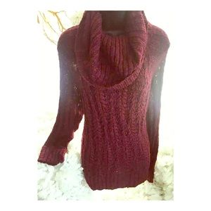 Oversized cable knit 🧶 wine burgundy sweater